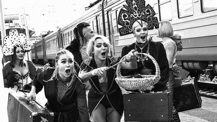 «Мы бросаем вызов»: столичный хореограф показал в Новосибирскеоткровенное шоу