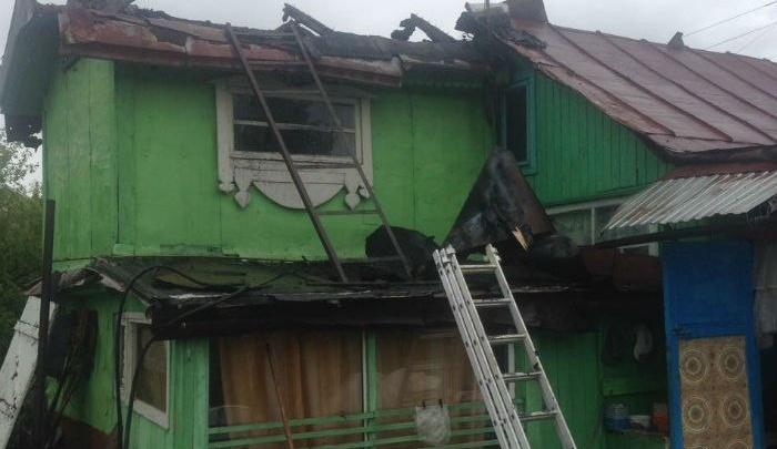 Уфимские спасатели приехали помочь больному, а потушили пожар