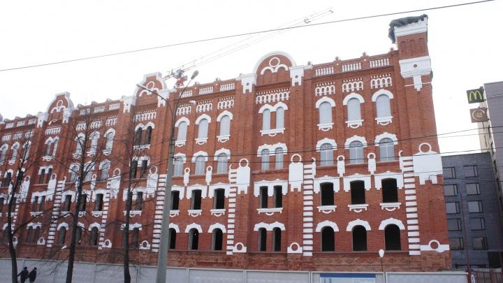 Фасад старинной мельницы Борчанинова отреставрировали и показали, что с ним стало