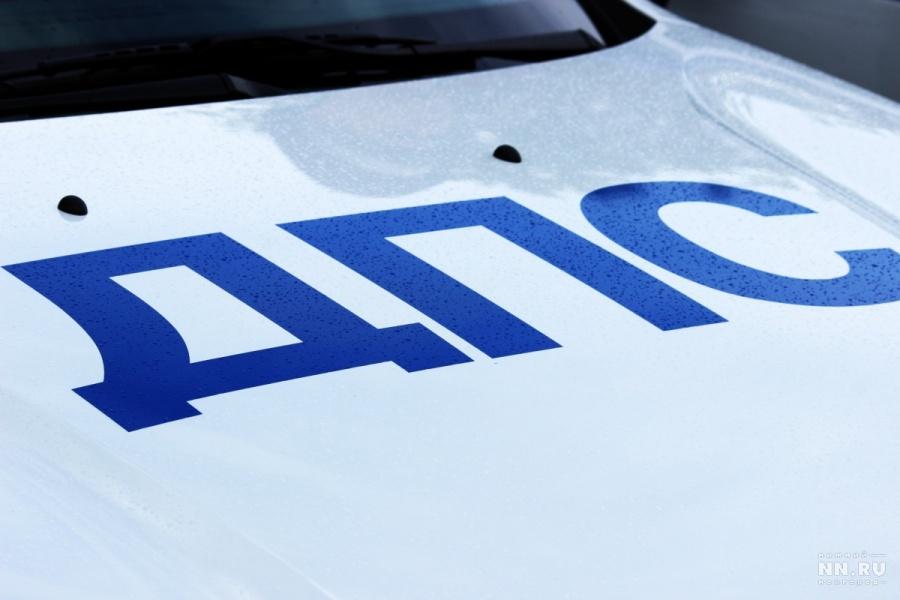 Локомотив протаранил машину напереезде вНижегородской области: шофёр умер