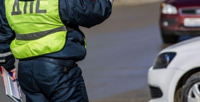 Мотоциклист врезался в ограждение и получил открытый перелом ноги на Бугринском мосту