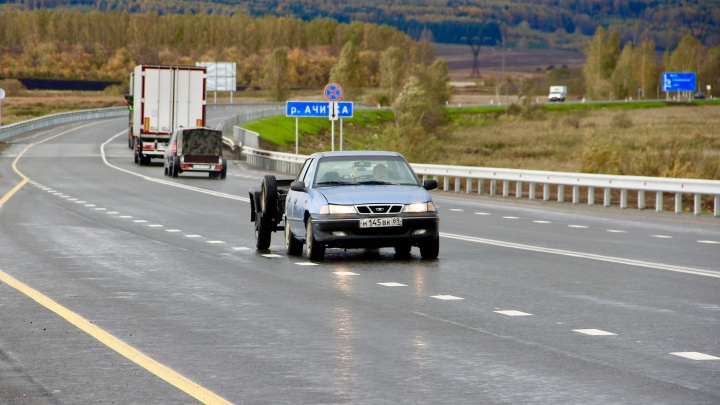 Катайтесь с удовольствием: дорожники отремонтировали трассы в направлении Перми и Кургана