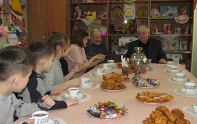 В Башкирии семья усыновила седьмого ребенка из приюта
