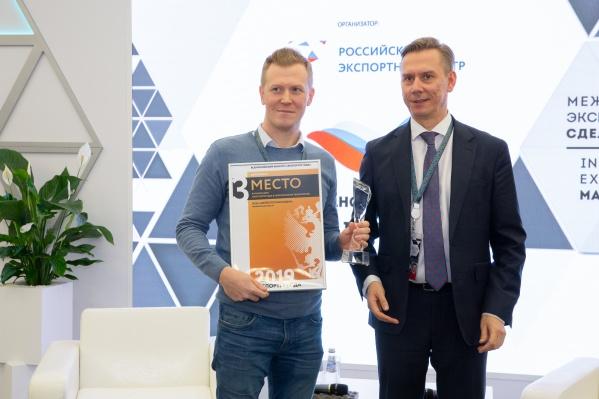 Челябинцы, поставляющие инновационную медико-ортопедическую продукцию на рынки США и ЕС, сумели завоевать бронзу в номинации «Малое и среднее предпринимательство: экспортер года в сфере высоких технологий»