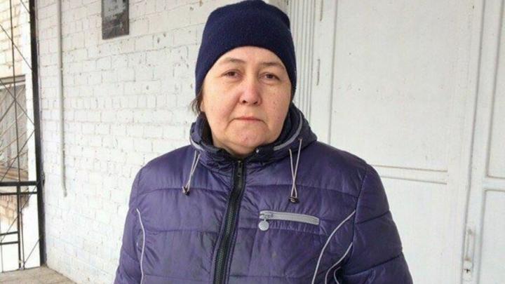 «Цените людей сейчас, завтра будет поздно»: в Магнитке отблагодарили тётю Асю, кормившую спасателей