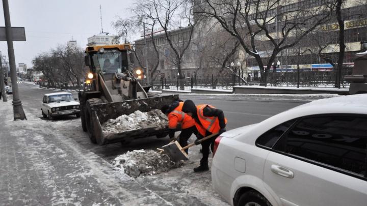Последствия снегопада в Екатеринбурге будут разгребать всю неделю