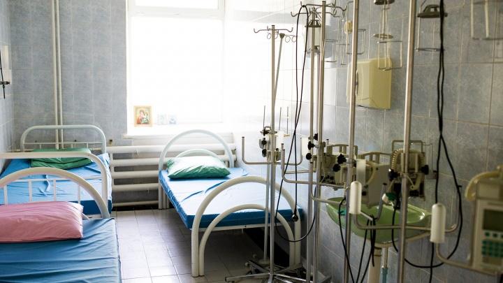 Годовалая девочка из Ярославской области, которая выпала с седьмого этажа, пошла на поправку