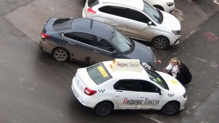 Суд отправил в колонию таксиста, насмерть сбившего мужчину на проспекте Парковом