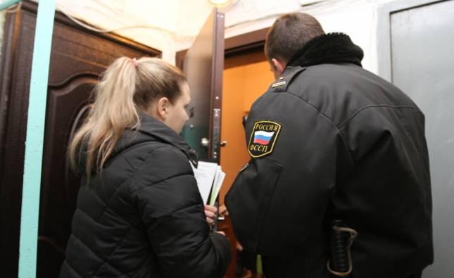 В Норильске выселять настырного квартиросъемщика пришлось приставам