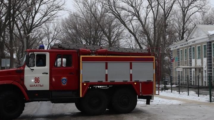 Уроков не будет: продолжают поступать письма с угрозами взорвать шахтинские школы