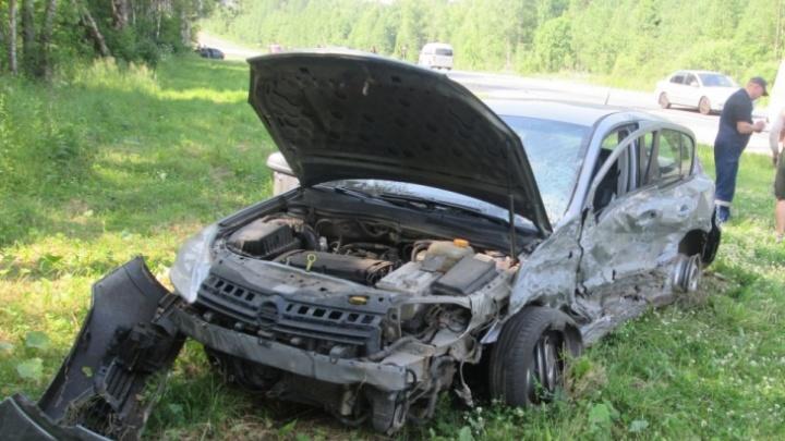 ДТП в Переславском районе: «Опель» выбросило с дороги