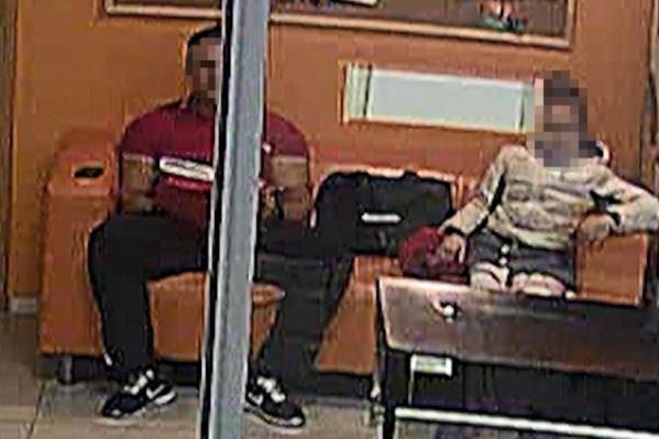 Девочка и тренер посидели на одном диване. После этого мужчина оказался под следствием