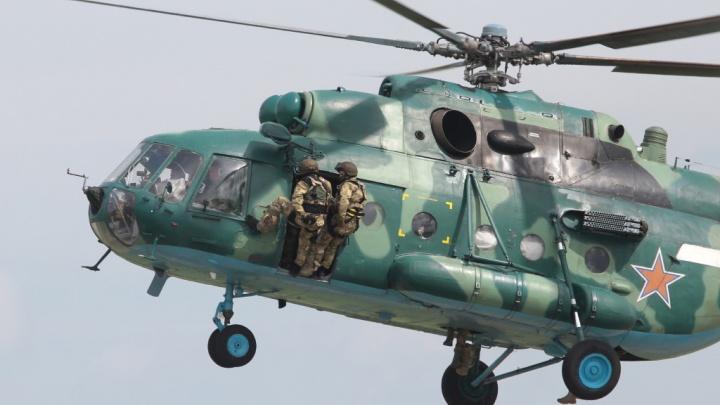 «Сбросили 70 тонн»: военный вертолёт помог спасти от огня два южноуральских посёлка