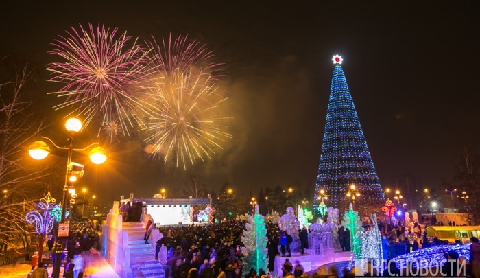 Фейерверк и автобусы до 3 ночи: что будет в Новый год на главной ёлке города