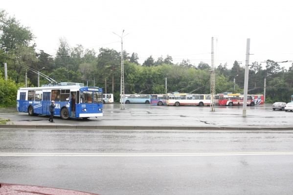 Общественный транспорт убрали с Воровского, чтобы заменить там асфальт