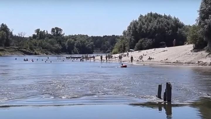 «Пошла купаться с 30-летним парнем и утонула»: в Волгоградской области ищут тело несовершеннолетней
