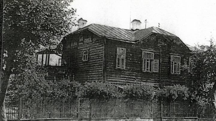 Деревянный дом на Декабристов, где в эвакуации жила Майя Плисецкая, попросили признать памятником