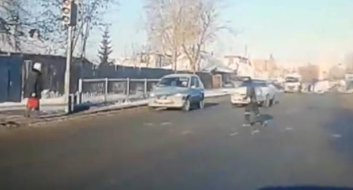 """""""В крайне тяжёлом состоянии"""": мальчика, которого сбила Mazda на Селькоровской, перевели в реанимацию"""