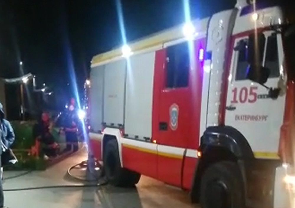 Сотрудники МЧС быстро справились с огнем