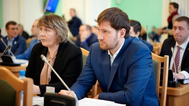 Депутат пригрозил судом руководству Горсовета