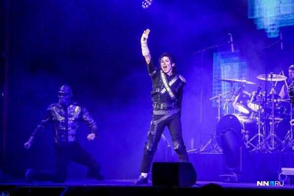 — Майкл Джексон жив! — уверены фанаты поп-короля