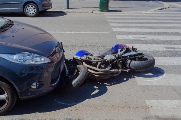 С полисом «Поддержка» водитель получит страховую выплату на сумму до 400 тысяч рублей в случае ДТП по вине автовладельца без ОСАГО
