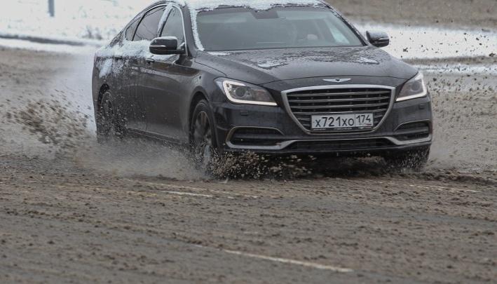 Власти Челябинска назвали улицы, которые будут заливать реагентами
