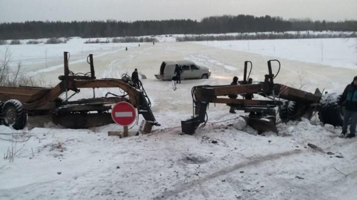 В Холмогорском районе водитель выехал на реку и сломал ледовую переправу