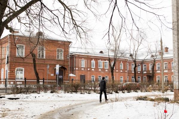 К больнице имени Семашко могут присоединить больницу №10 на улице Гагарина