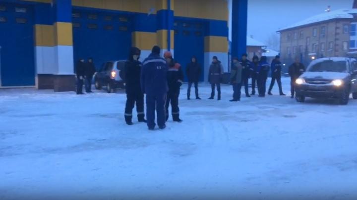 Работникам «Техинжстроя», устроившим забастовку, начали выплачивать деньги