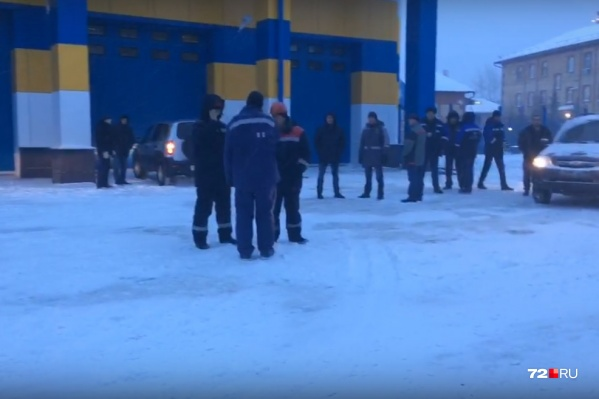 Рабочие вышли на забастовку из-за того, что им не выплачивали зарплату за октябрь и ноябрь