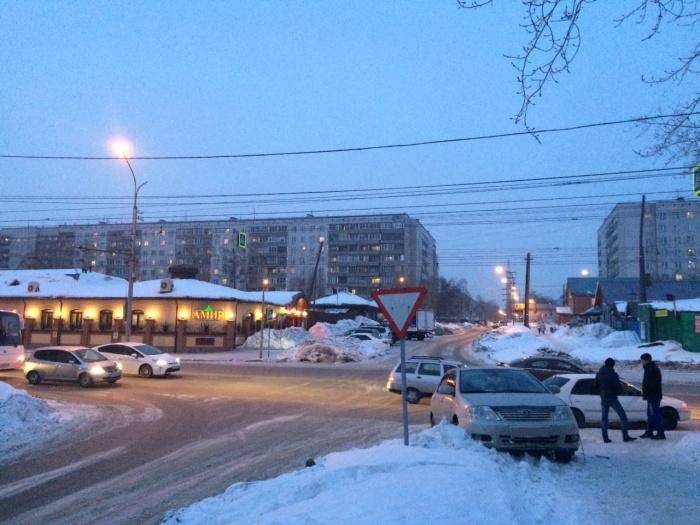 Авария случилась недалеко от остановки «Никитина»