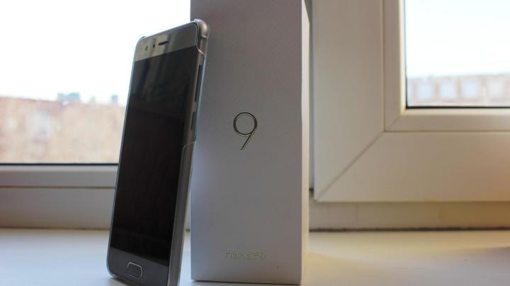 Honor стал лидером продаж среди смартфонов в Омске в начале года