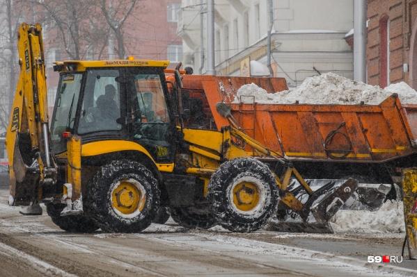 С такой погодой работа для уборочной техники будет еще долго