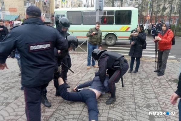 Митинг 5 мая закончился задержаниями