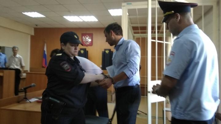 На два брата 11 откатов: уголовное дело о коррупции в Фонде капремонта направили в областной суд