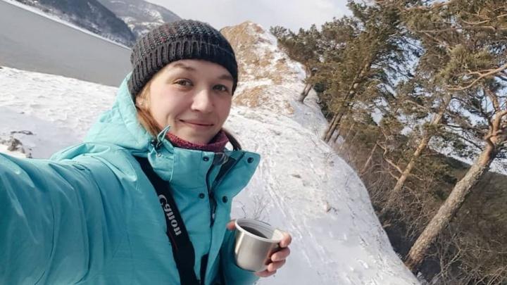 «Будни Белоснежки»: как девушке из Красноярска удается часто встречать удивительных диких животных