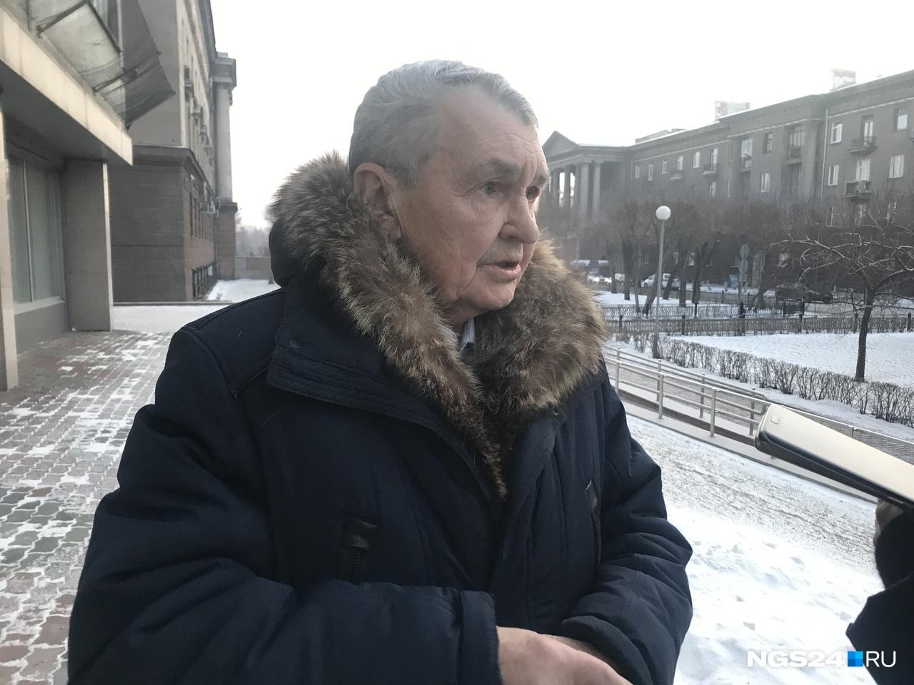 Юрий Мальцев считает ситуацию с дымкой нормальной для Красноярска. Зимой, по его мнению, будет хуже