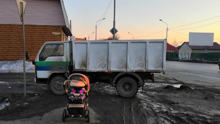 «Я паркуюсь как...»: грузовик против коляски, островок для «крузака» и карма в действии