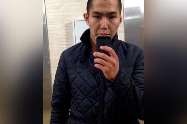 Сандал, по данным следователей, ударил студента ножом