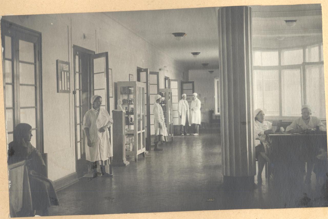 Больничный коридор