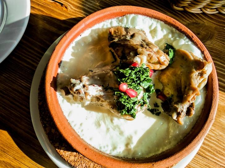 Чкмерули (курятина, тушёная в сливках) — 290 рублей