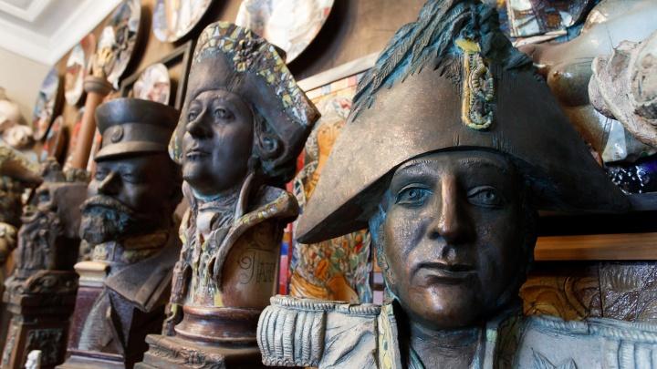 Цари и «красный петух»: Петр Чаплыгин создает аллею императоров в центре Волгограда