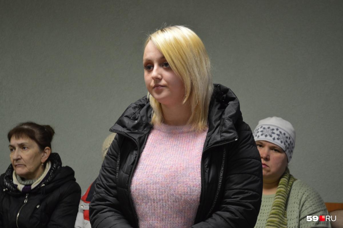 Анастасия Соболева потеряла на пожаре маму и двухлетнего брата
