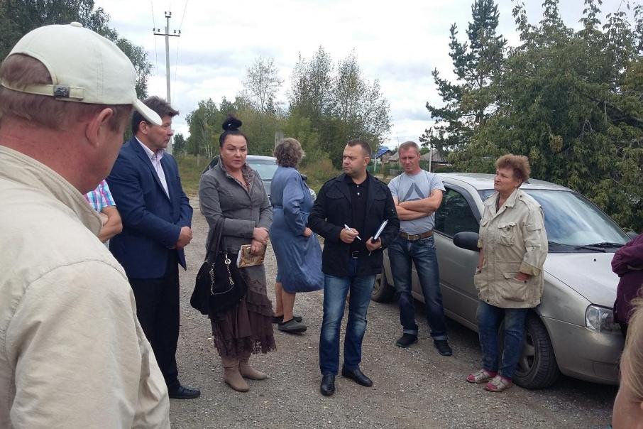Вера Галицкова (в центре), по версии следствия, распоряжалась землями Баландино в своих интересах