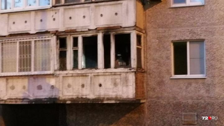 Во время пожара в девятиэтажке на Орджоникидзе мужчина отравился угарным газом