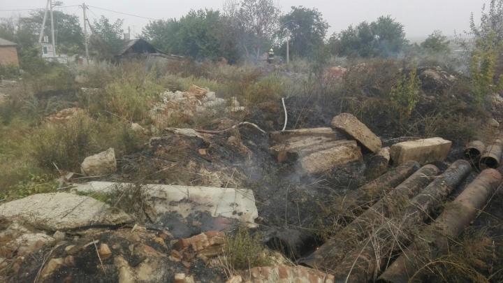 Жгли доски: на улице Краеведческой произошел пожар