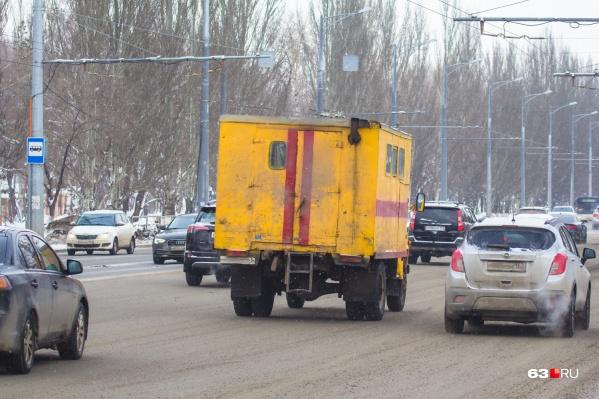 Вызвать аварийную газовую службу с мобильного можно по номеру 104