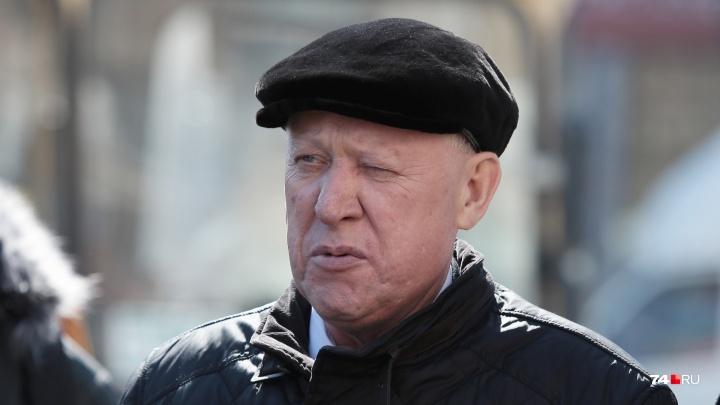 Бывший мэр Челябинска Евгений Тефтелев признал вину во взятке. Сегодня его привезут в суд