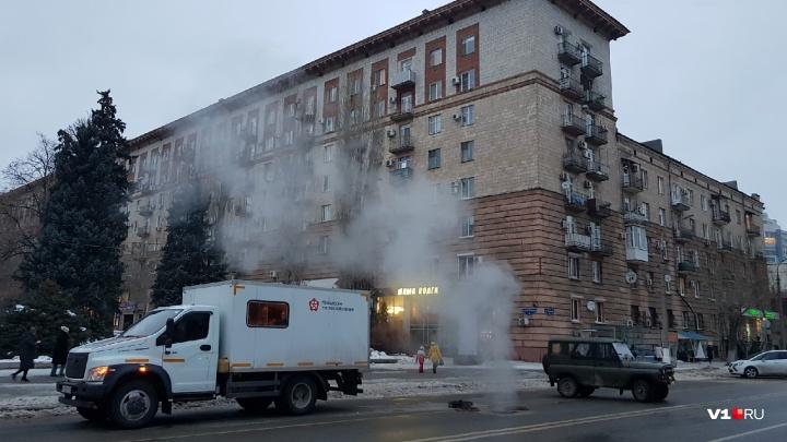 «Мы просто проветриваем»: над переходами в центре Волгограда поднялись огромные столбы пара